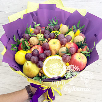 Букет из орехов и фруктов