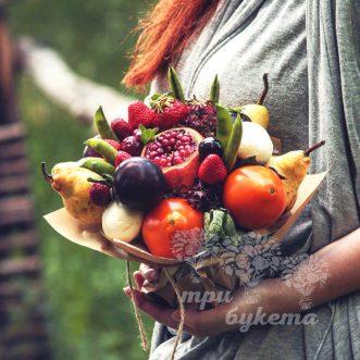 fruktovyj-buket-iz-hurmy-i-grush